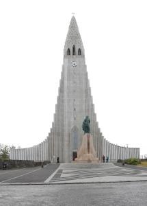 Front view of the Hallgrimskirkja