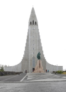 Front view of the Hallgrimskirkja