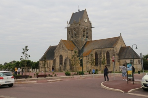 This is the main church in St Mere Ingleis -- you can see the paratrooper near the top of the spire.