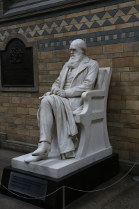 Charles Darwin. He's also on the 10 pound bill.