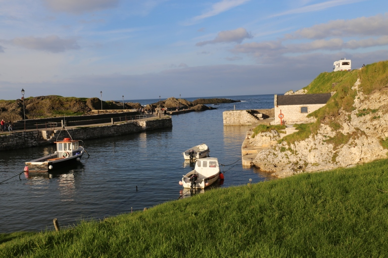 This is Ballintoy Harbor, which stands in for Pyke and Saltpans. Theon and Arya both used this set, but for different places, even though the only differences were the actor and weather.