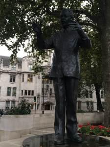 Nelson Mandela statue outside Westminster Abbey