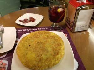 Dinner in Madrid: Spanish Tortilla, Sangria and some cured ham.