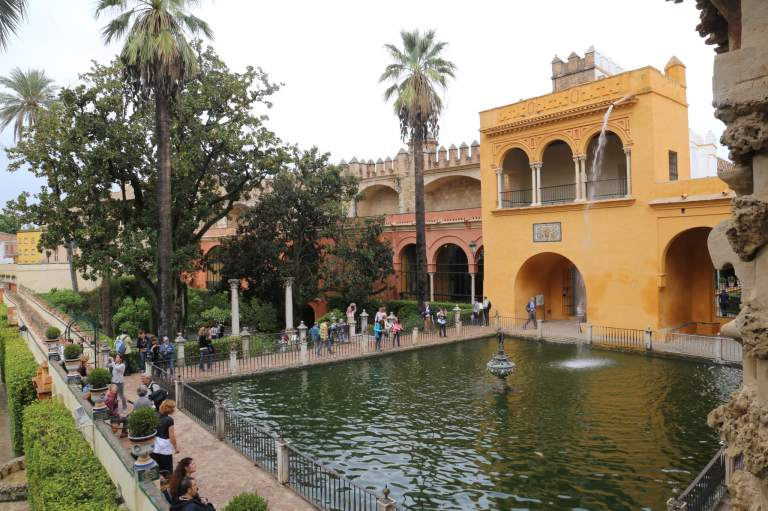 The view of the rear of the palace through the gardens