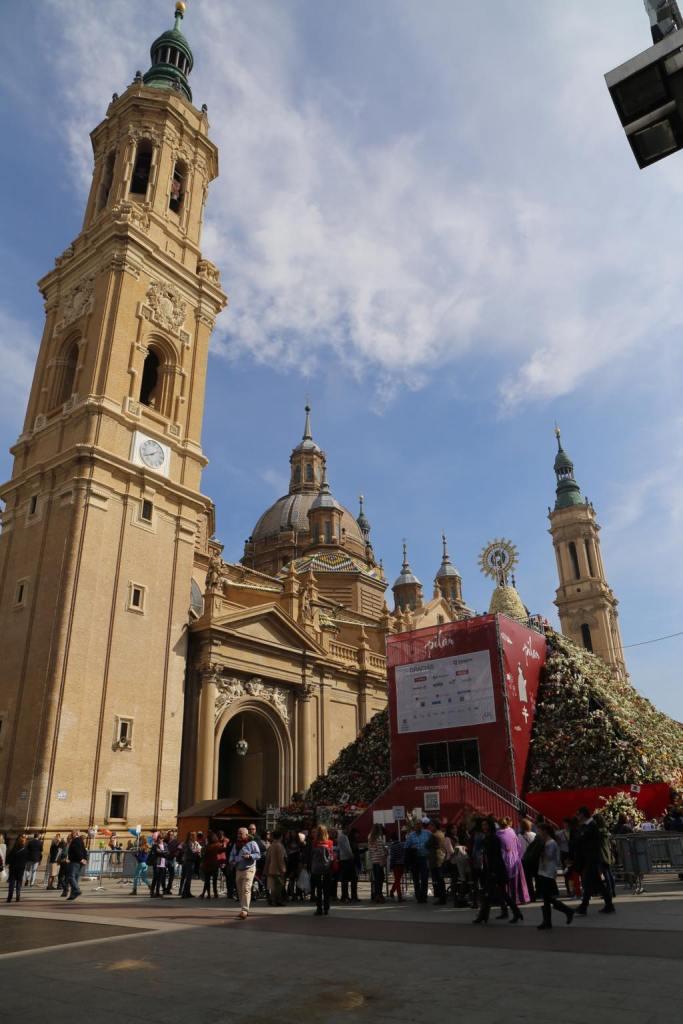 Basilica de Nuestras Señora del Pilar with the flower pyramid from the festival