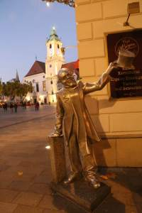 Schone Naci, the only silver statue in Old Town