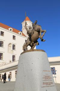 Statue of Svätopluk in front of the castle