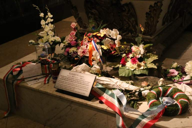 Detail of some of the things left at Elisabeth's tomb - she is widely known as Sissi and widely loved.