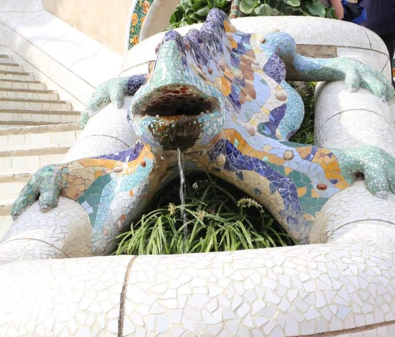 """El Erac"" the famous lizard, one of Gaudí's signatures."