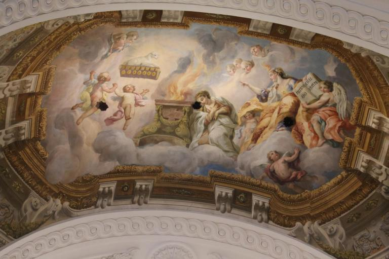 The ceiling of one of the chapels