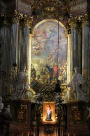 Detail of one of the small chapels