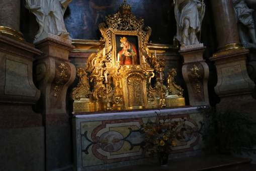 Detail of one of the small altars