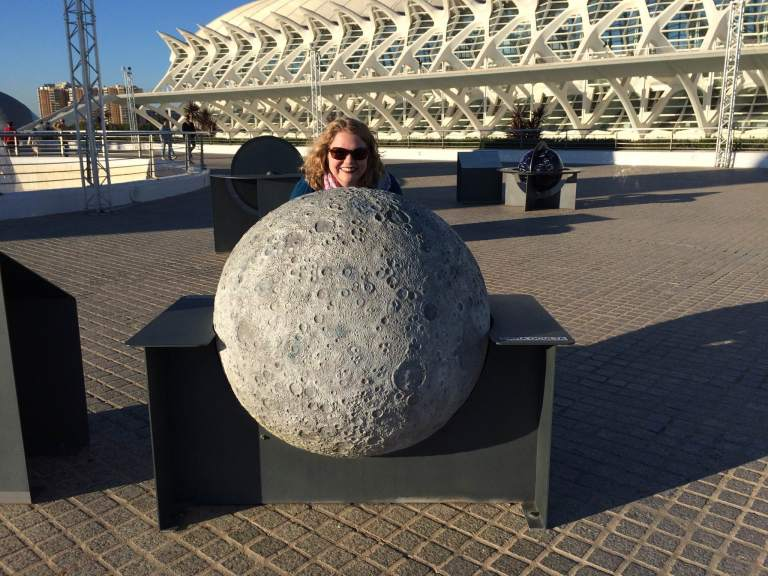 The plaza near the gardens has astronomical games you can play... or a giant moon you can pose with.