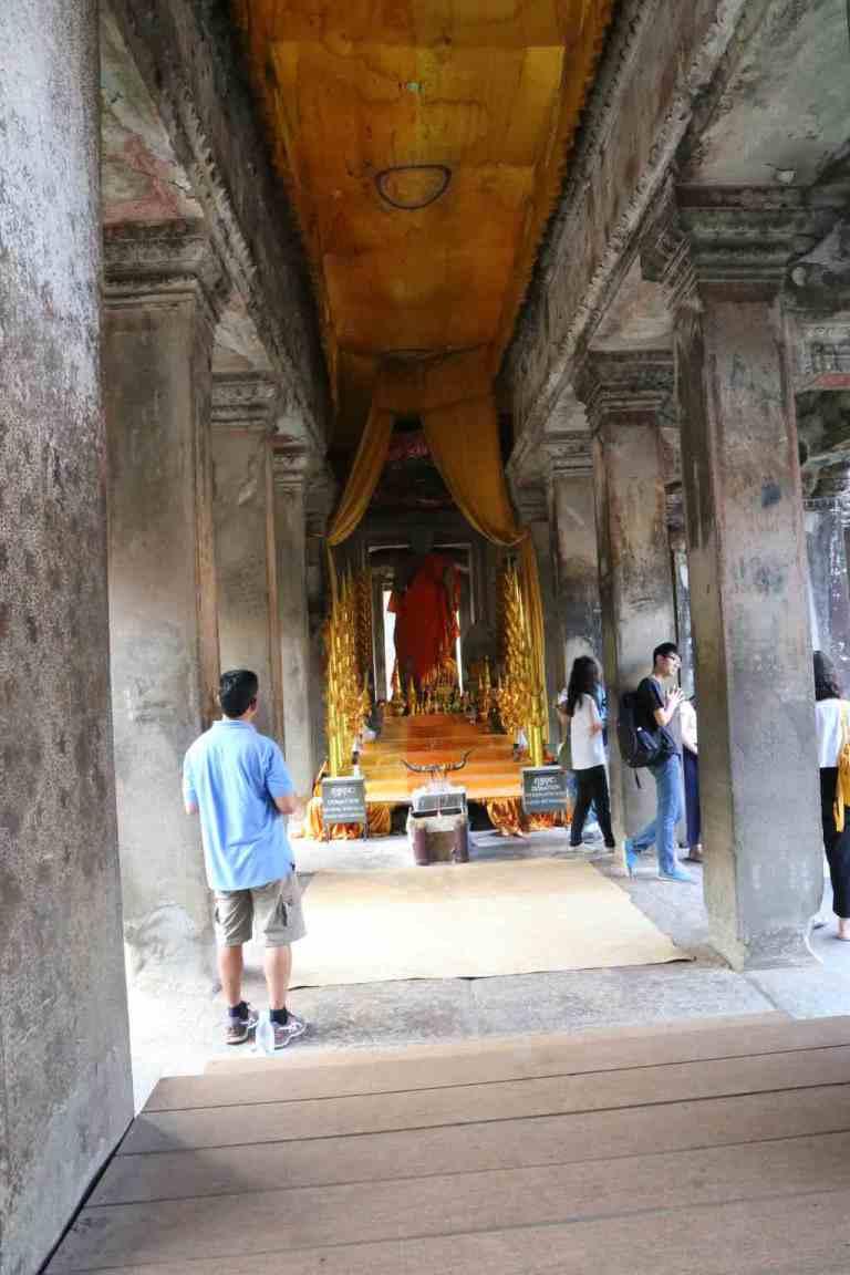 AngkorWatMonkeys2