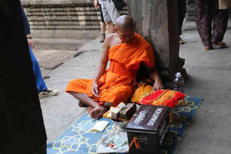 AngkorWatMonkeys22