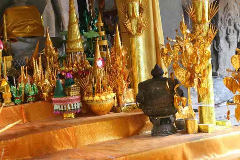 AngkorWatMonkeys25