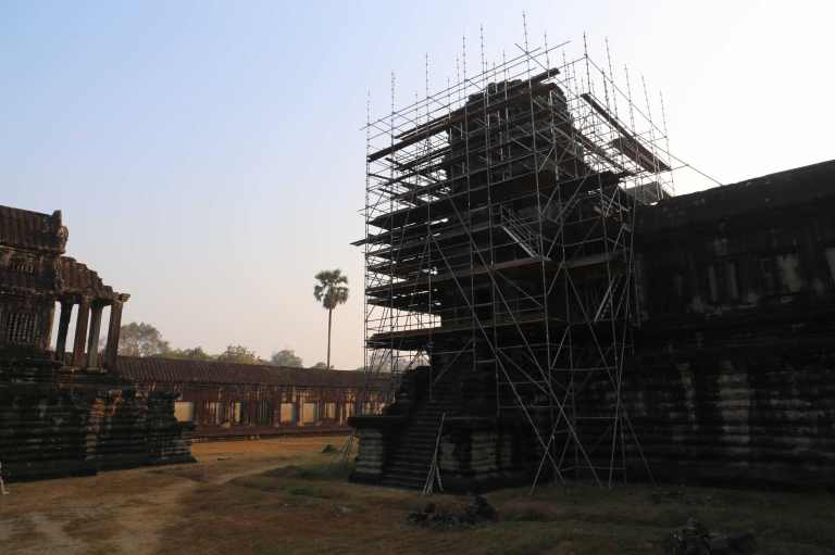 AngkorWatMonkeys7