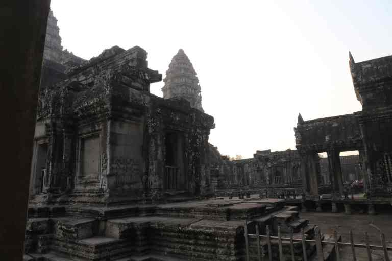 AngkorWatMonkeys9
