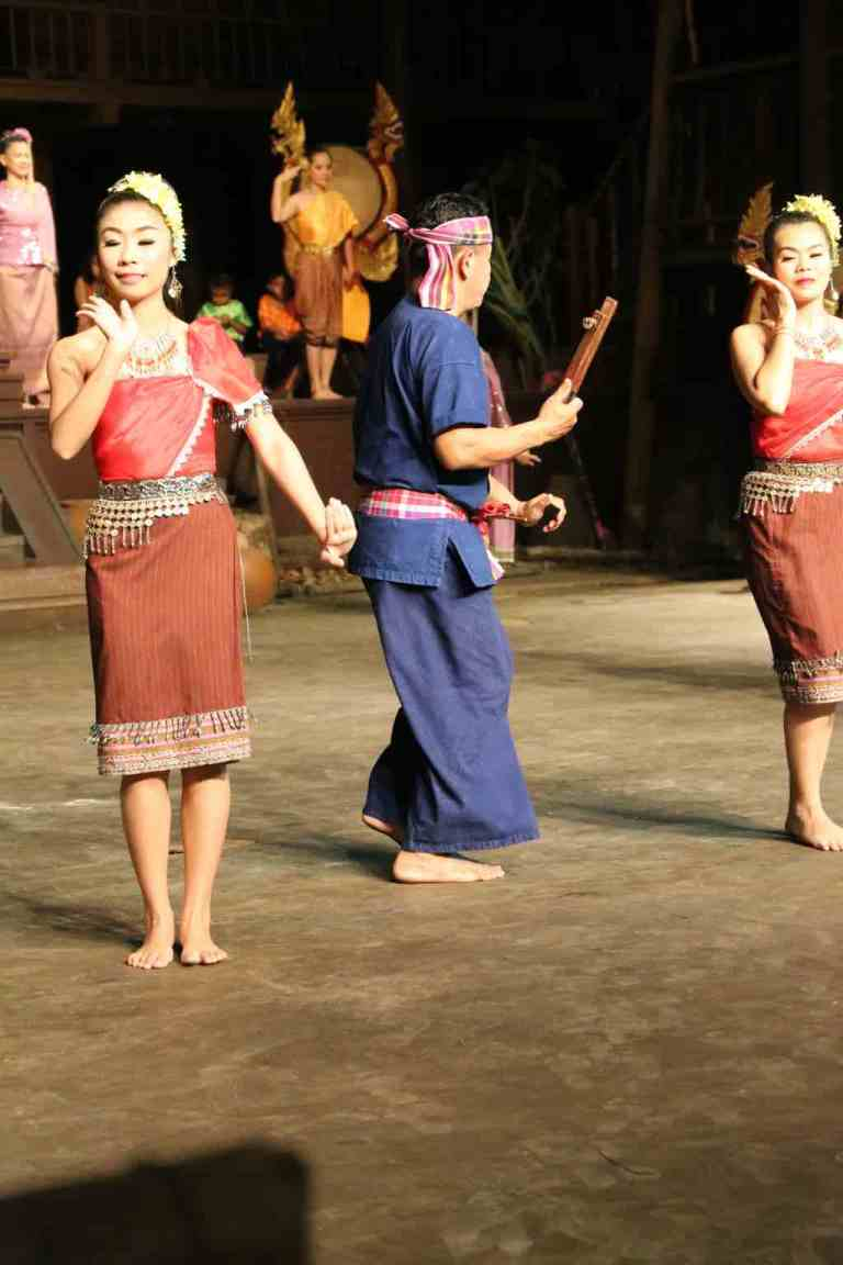 ThaiVillageDance18